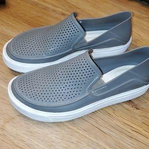 Cross shoes size 6